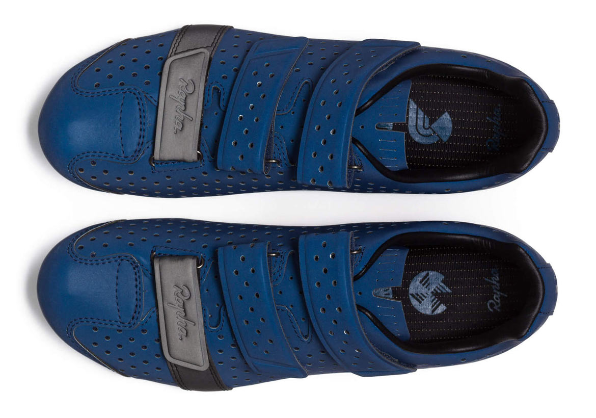 climbers shoes reflective blue